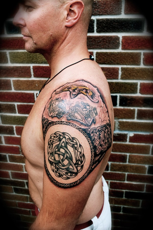 Amazing-Celtic-Tattoo-On-Shoulder