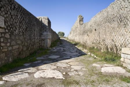 Lucus Feroniae - Strada di accesso al Foro