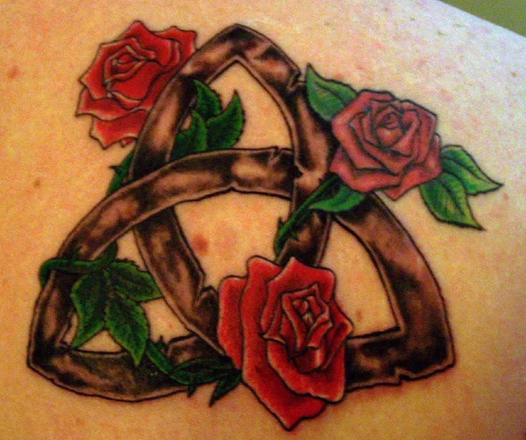 rose-tattoo-shoulder-793064115