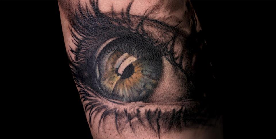 attractive-colored-eye-tattoo