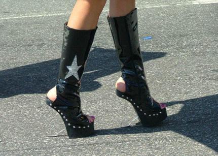 le-scarpe-piu-strane-del-mondo-foto-n-17