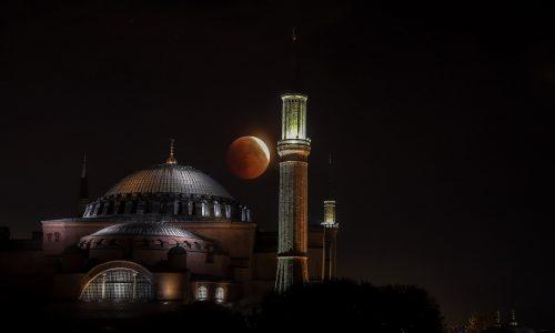 Turchia: La basilica Hagia di Sophia convertita ufficialmente in moschea