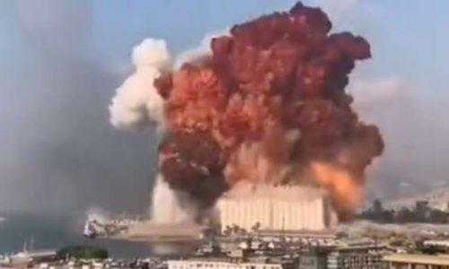 Beirut: Video di un oggetto non identificato si scaglia sul porto prima dell'esplosione