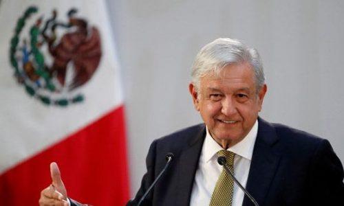Il presidente messicano si offre volontario per provare il vaccino contro il coronavirus russo