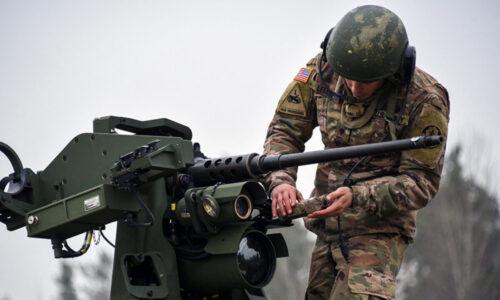 """I soldati statunitensi """"hanno rivelato le posizioni delle armi nucleari in Europa pubblicando dettagli su flashcard online"""", afferma il rapporto"""
